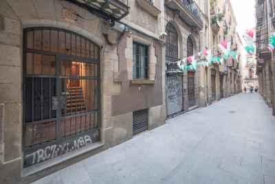 Отреставрированная квартира рядом с Plaza Catalunya в самом центре Барселоны